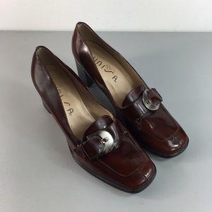 NWOT Vintage 90s Unisa brown leather heel loafers